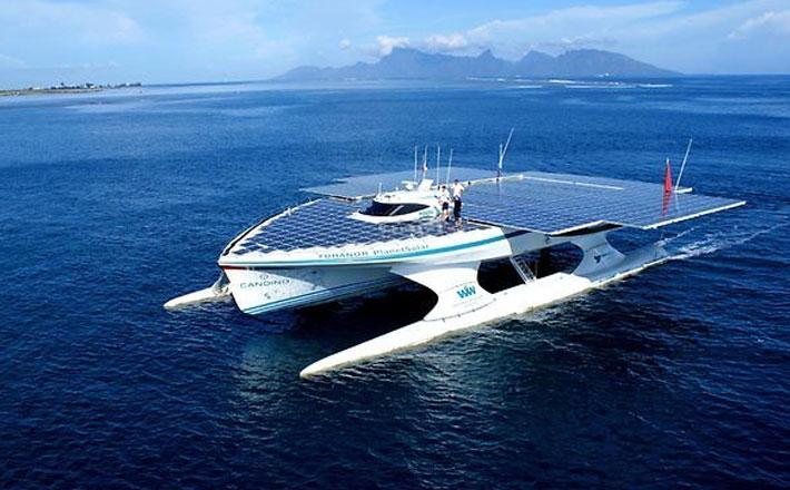 First Solar Powered World Circumnavigation Boat – docks in Brisbane