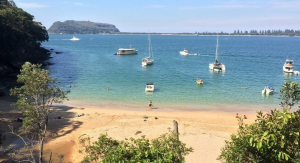 Boat hire Pittwater Resolute Beach