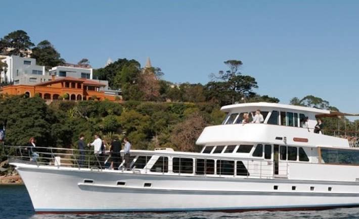 Commissioner II Boat Hire